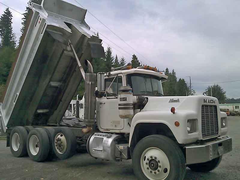 1990 Mack Dump Truck